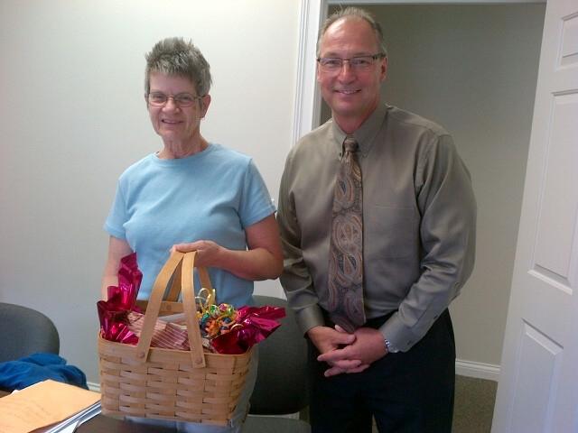 Happy customer with Larry Swinden
